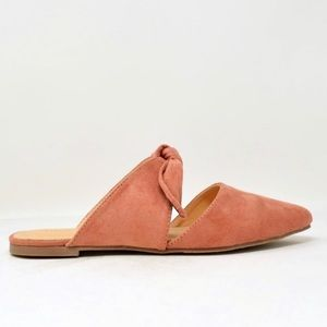 Very new close toe pink suede sandals